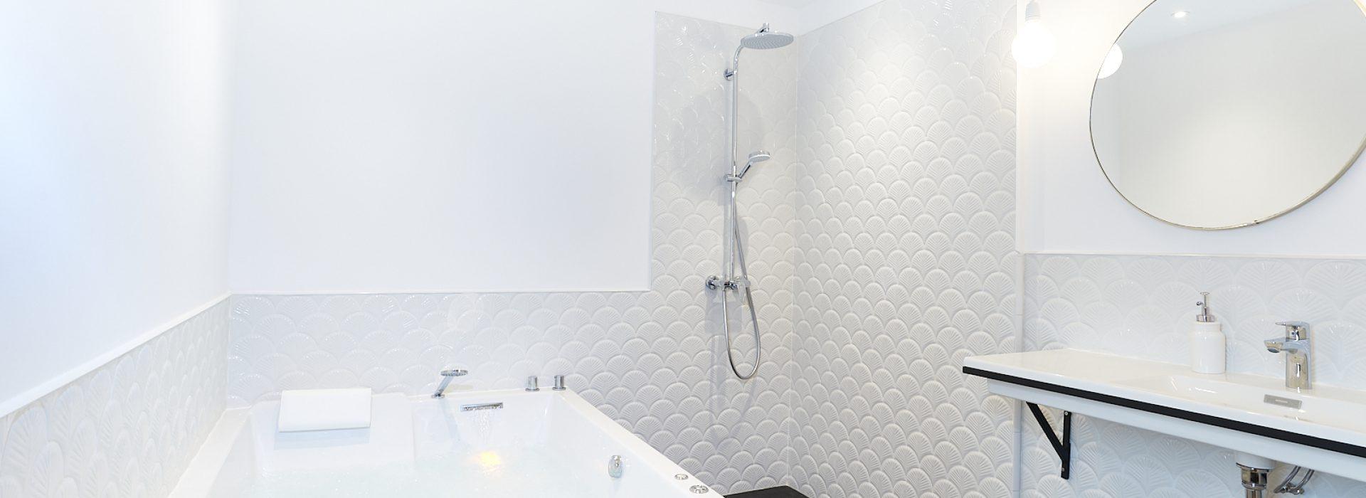 1634_ Salle de bain avec spa